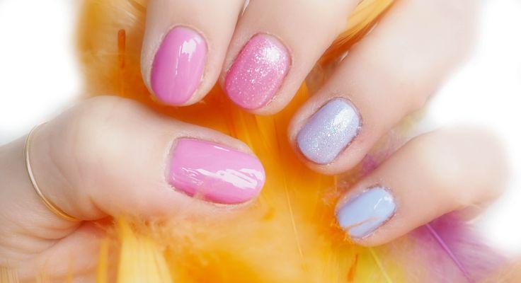 Manicure ekspresowy dla zapracowanych ❤️ MANICURE HYBRYDOWY RÓŻOWO-NIEBIESKI Z BŁYSKIEM   SEMILAC NAILS deliciousbeauty.pl
