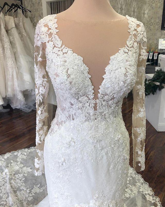 The Wedding Studio Weddingstudiocarmel The Wedding Studio Indianapolis Indiana Martina Liana Long Sleeve Wedding Dresses Wedding Dress Long Sleeve Dresses