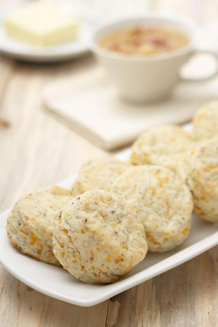 Cheddar, Herb & Garlic Biscuits #vegetarian #meatlessmonday