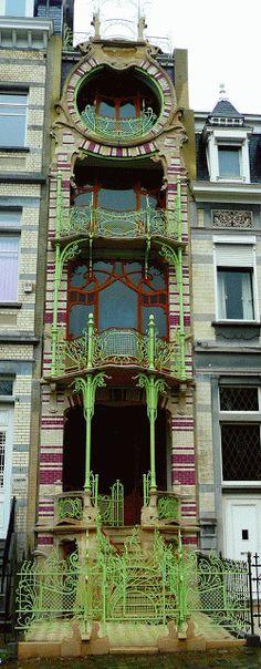 France | Hector Guimard's Art Nouveau Café Antoine, 17 rue La Fontaine, Paris XVIe (1911). Wild!