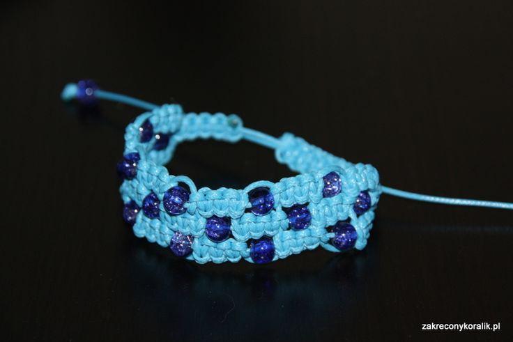 Potrójna bransoletka makrama – błękit w kolorze blue …