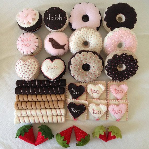 Box Set of Felt Food-Large Party of 6