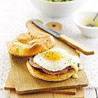 Gepocheerde eieren in rodewijnsaus - recept - okoko recepten