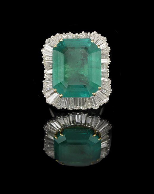 Platinum, Emerald and Diamond Ring-Dant