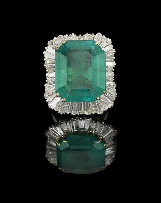 Platinum, Emerald and Diamond Ring-Dant
