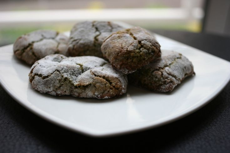 Sicilian pistachio cookies :http://www.skitikkio.ie/2016/01/11/sicilian-pistachio-cookies/