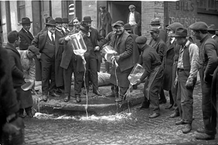 1920 - Prohibition went into effect in the U.S. What kind of liquor would you bootleg if you lived during this era? Personally wed roll out barrel after barrel of vodka. #TodayInHistory #Prohibition #USA #Liquor