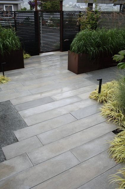 Precast pavers...the way to go! Modern Landscape by wittman estes architecture + landscape:
