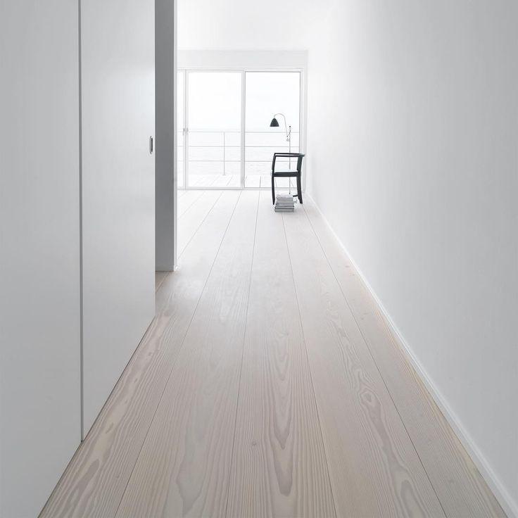 Wide plank flooring - Douglas by Dinesen