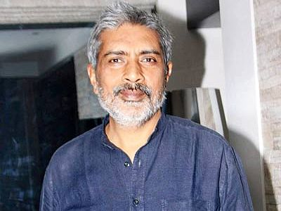 Satyagraha is not a story of Mahatma Gandhi, Anna Hazare, says Prakash Jha!
