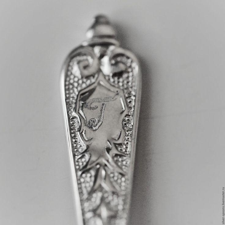 """Купить Набор из 2х серебряных ложек для специй с гравировкой букв """"Д"""" и """"Г"""" - серебро, для специй"""