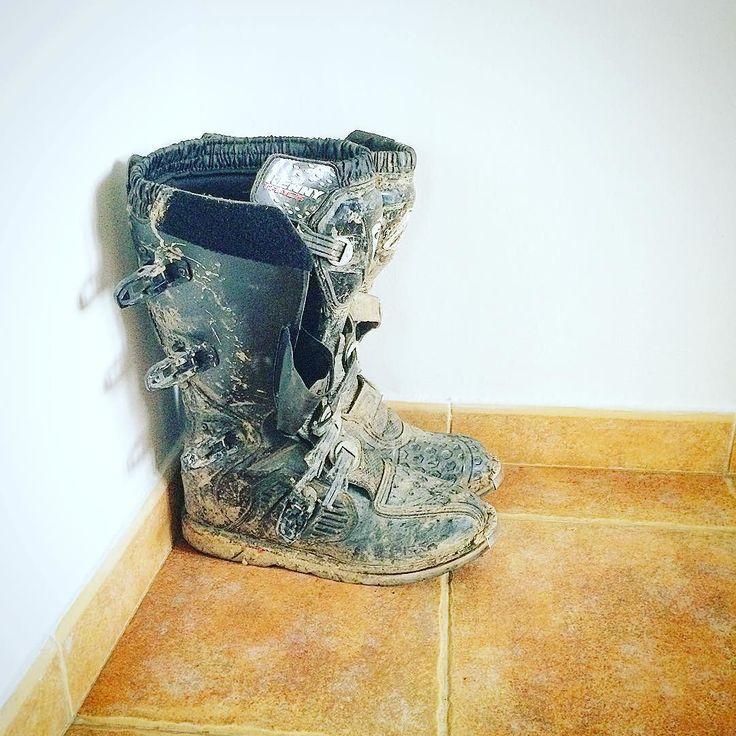 La colț.  #motocross #boots #poianabrasov