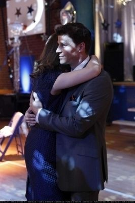 5x17 The Death of the Queen Bee - Booth and Bones Photo (11190839) - Fanpop