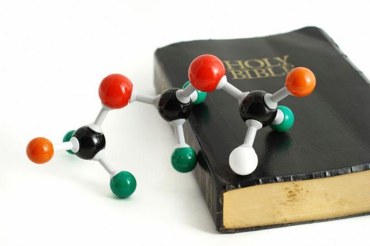 208 famosos científicos modernos que creyeron en Dios - Aleteia