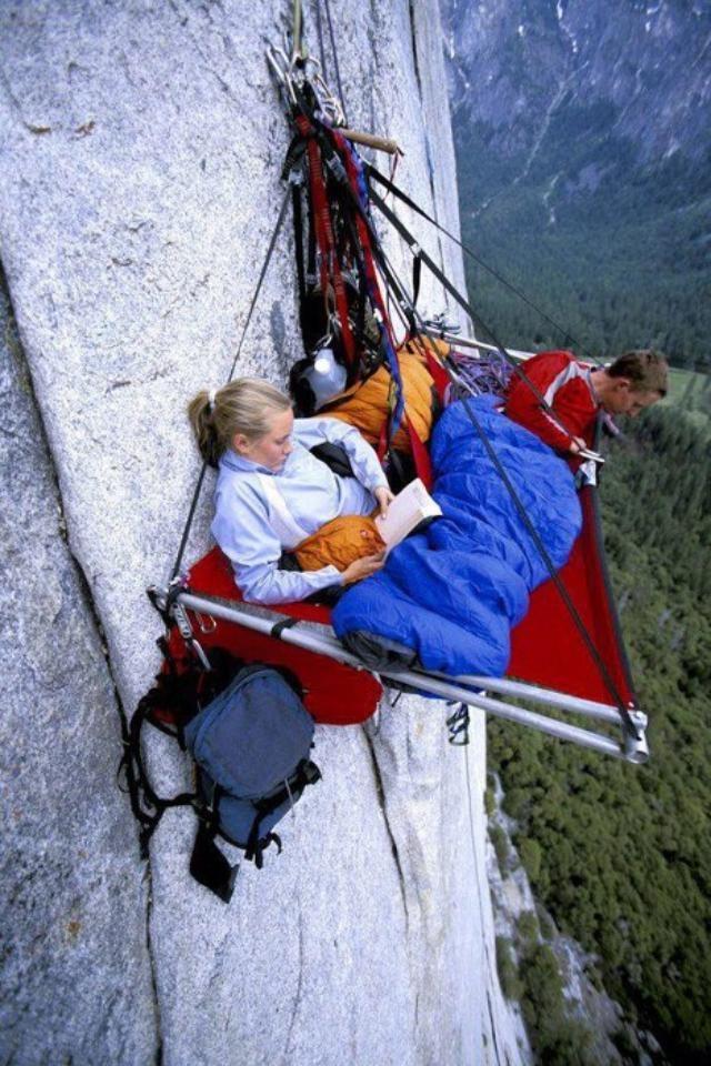 Gezellig kamperen! Bizar!  Portaledge Camping, Yosemite, Californië