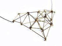 Złoty geometryczny naszyjnik z mosiądzu, Projekt Mosko