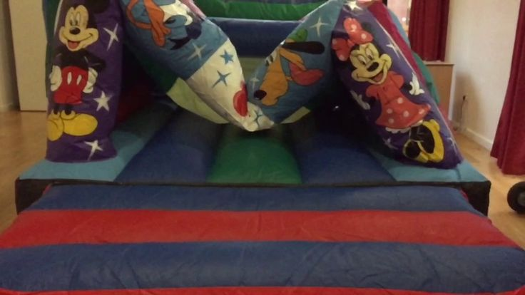 This is a short video if our 15ft x 12ft micky and Minnie bouncy castle been set up for a customers indoor party. We have tried to give a little insight into how we set up our castles for indoor party's.  1st Choice - offer bouncy castle hire in Walsall and the west midlands to areas such as Dudley, Cannock, Wolverhampton and more.   www.firstchoicebouncycastlehire.co.uk