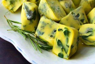 Cómo congelar y preservar Hierbas frescas en Aceite ./ How to freez fresh herbs in olive oil