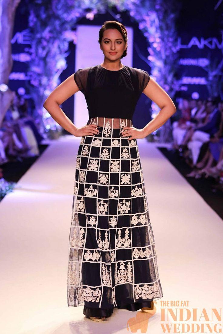 Manish Malhotra at Lakme Fashion Week 2014-60 width=