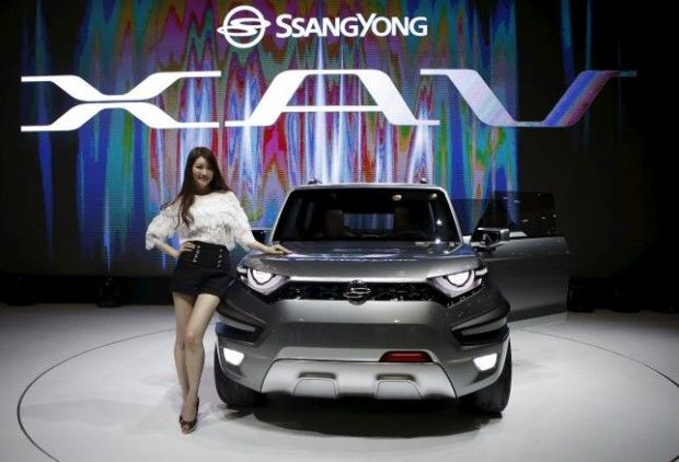 Ssangyong Motor says Mahindra denies media report on plan to hike stake - Mahindra and Mahindra Ltd has denied a media report that it plans to increase its stake in South Korean automaker Ssangyong Motor Co Ltd, a spokesman for Ssangyong Motor said on Friday. Shares of Ssangyong Motor were down 8 percent as of 0516 GMT on Friday. CNBC-TV18 on Wednesday said Mahindra... - http://smbcinsight.tv/web/ssangyong-motor-says-mahindra-denies-media-report-on-plan-to-hike-stake/