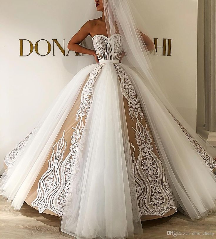 2019 Luxurious Lace Beaded Arabic Wedding ceremony Attire Sweetheart Ball Robe Bridal Attire Classic Tulle Wedding ceremony Robes ZJ527