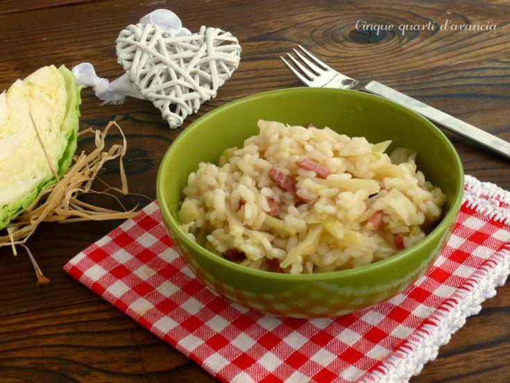 Il risotto cavolo cappuccio e speck è un primo piatto gustoso e semplice, perfetto da realizzare in questa stagione in cui i cavoli si trovano facilmente!
