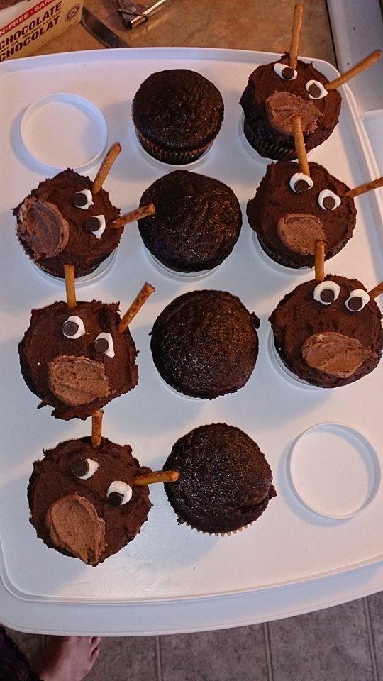#Sven #cake #cupcakes #reindeer #yum #Frozen #birthday #Party cupcakes for my nephew's birthday :)