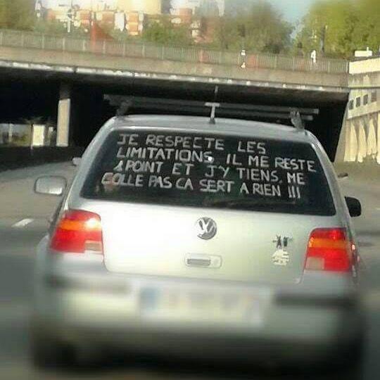 insolite arriere coller conducteur lunette message permis point voiture