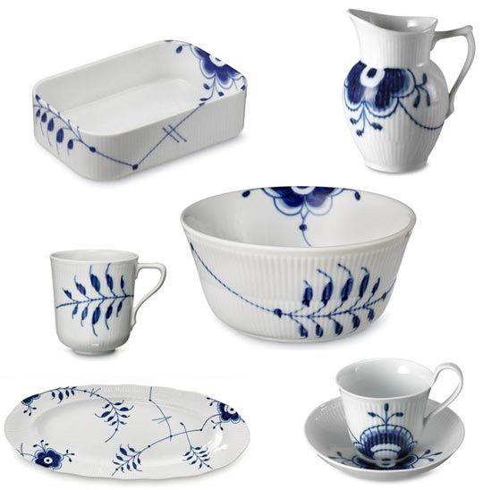 Blue Mega Dinnerware from Royal Copenhagen