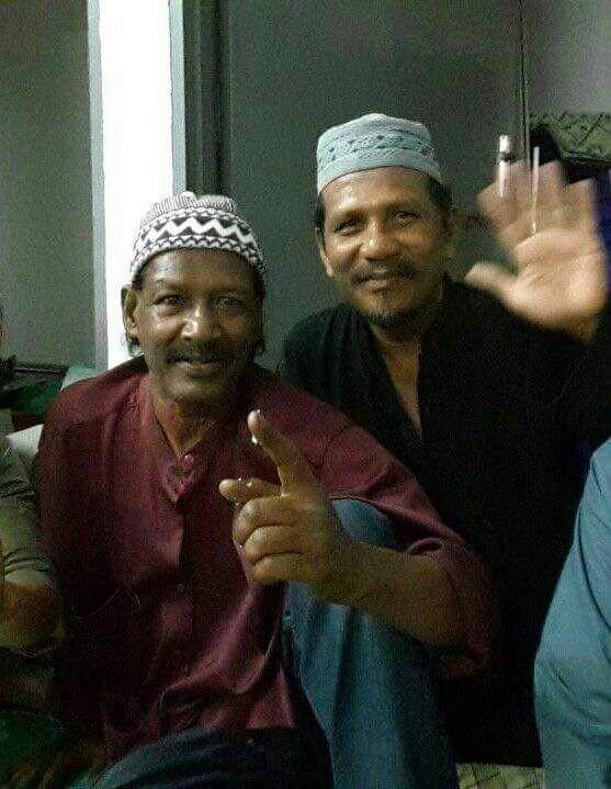 Acappan peluk Islam dengan nama Muhammad Ramadhan   Pelakon komedi lagenda Acappan dikhabarkan telah memeluk agama Islam berikutan tersebarnya beberapa gambar pelakon tersebut bersama jemaah. Nama Islam beliau ialah Muhammad Ramadhan sempena bulan Ramadhan Al-Mubarak penuh kemualiaan ini.      Berita gembira ini telah mula berlegar di laman sosial. Ramai yang menyatakan rasa syukur dengan hidayah Allah di bulan Ramadhan yang mulia ini. Semoga ini merencanakan buku baharu yang hebat buat…