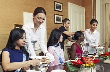 contrast of business customs and etiquette The most important customs and etiquettes to follow in costa rica for a  successful business trips are as follow.