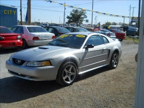 Used Ford Mustang  year 2000 for sale in Kansas for only $4400