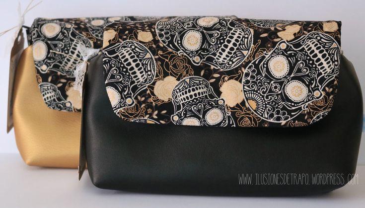 Neceser multiusos. telas calaveras con dorado. www.ilusionesdetrapo.wordpress.com
