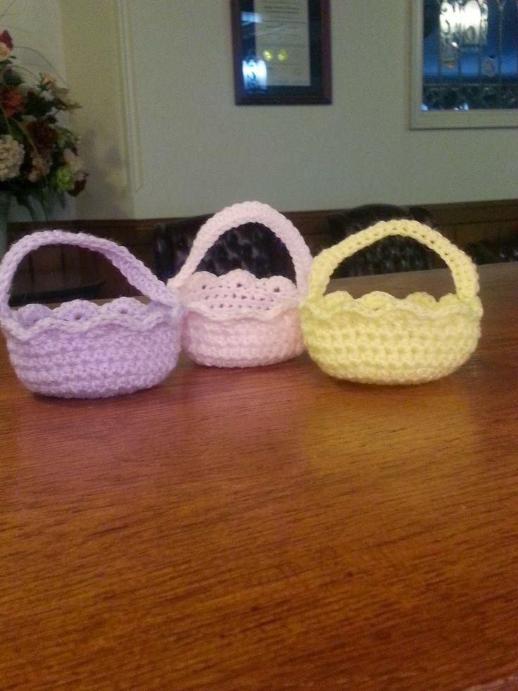 628 best easter crochet patterns images on pinterest crochet mini easter basket free pattern free crochet pattern so cute http negle Images