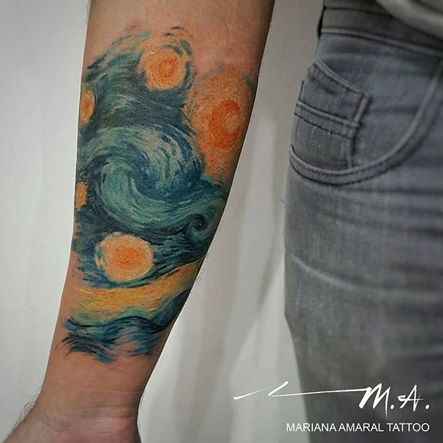 "Mariana Amaral tattoo ❤   tattoo baseada em ""Starry Night"", de Vincent Van Gogh   #marianaamaraltattoo #aquarelatattoo #watercolortattoo"