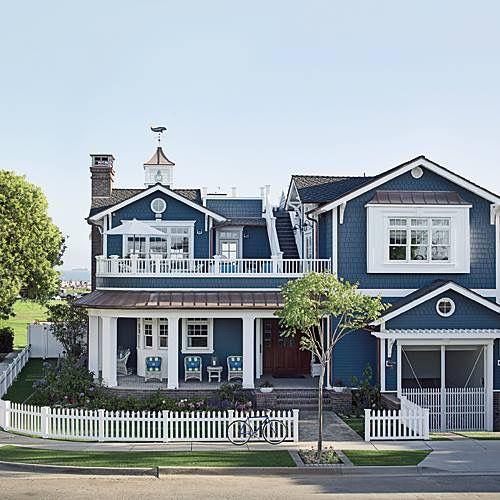 Best 25 Blue House Exteriors Ideas On Pinterest Blue House Exterior Colors Blue Houses And