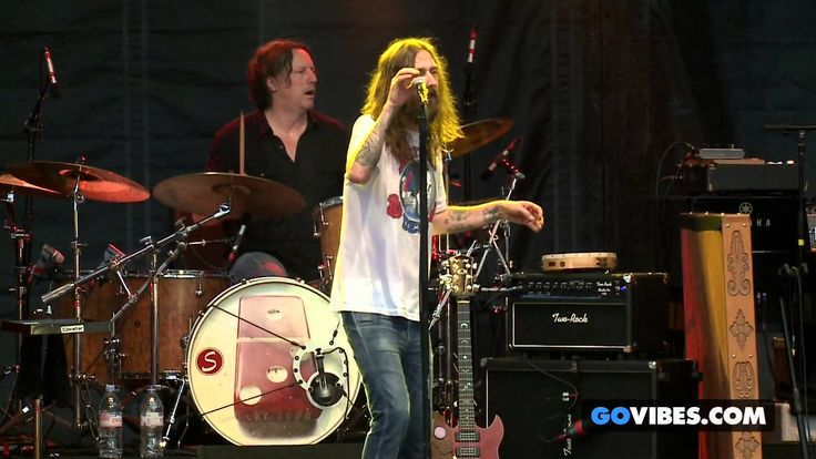"""The Black Crowes performs """"Remedy"""" at Gathering of the Vibes Music Festival"""