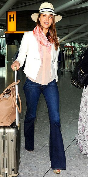 n: Flare Jeans, Airports Style, White Blazers, Airports Chic, Airports Outfit, Jessica Alba, Alba Photo, Travel Outfit, Travel Style