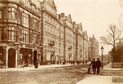 Southern end of High Street, 1900