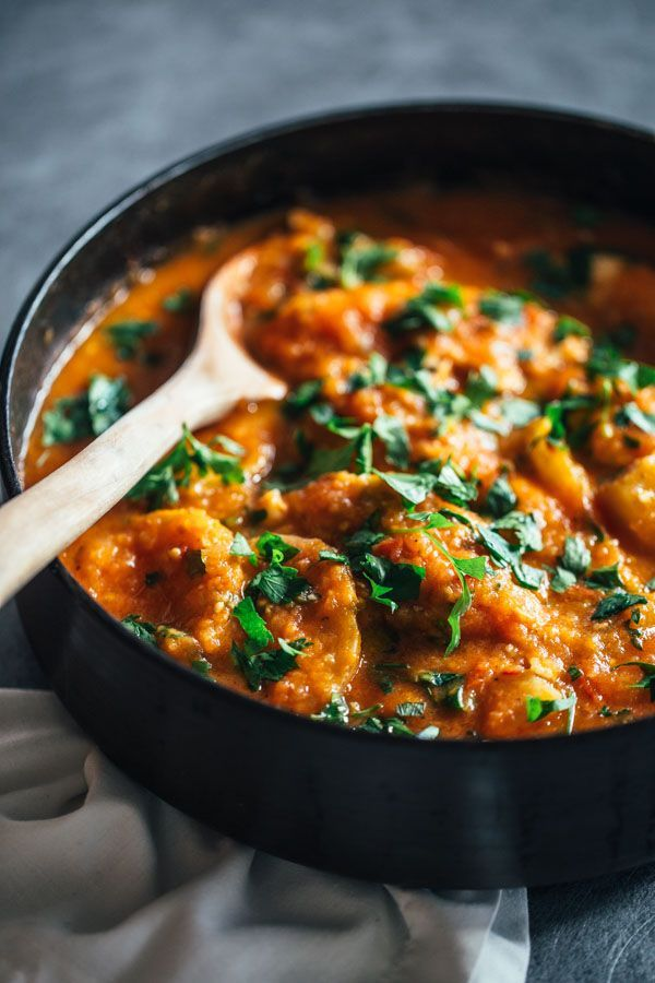 美容効果の高い、鶏肉とじゃがいもを使ったレシピのご紹介です。おもてなし料理にも使えるので女子会にもぴったり♡おいしく食べてキレイになれるのは嬉しいですね♪