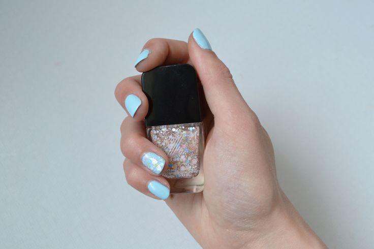Manucure Formula X - Vernis Infatuated & Demolition http://lejoliblog.com/2014/04/29/les-vernis-formula-x/ #formulax #blue #nail