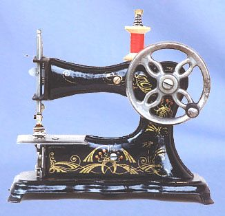 ❤✄◡ً✄❤ Manufactured in Germany by Casige during the early 1900's, the No.2 is highly sought after by toy sewing machine collectors. Of substantial construction, the forward-facing hand wheel is its distinctive feature. - http://www.dincum.com/library/lib_casige_no2.html