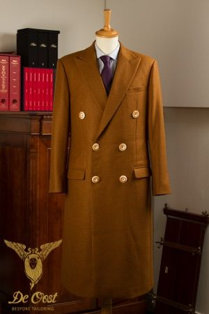Vicuna Coat inpsired by the famous Crombie Coats from WW1. Vicuna Overjas geinspireerd op de bekende Crombie Coats gedragen tijdens WW1.