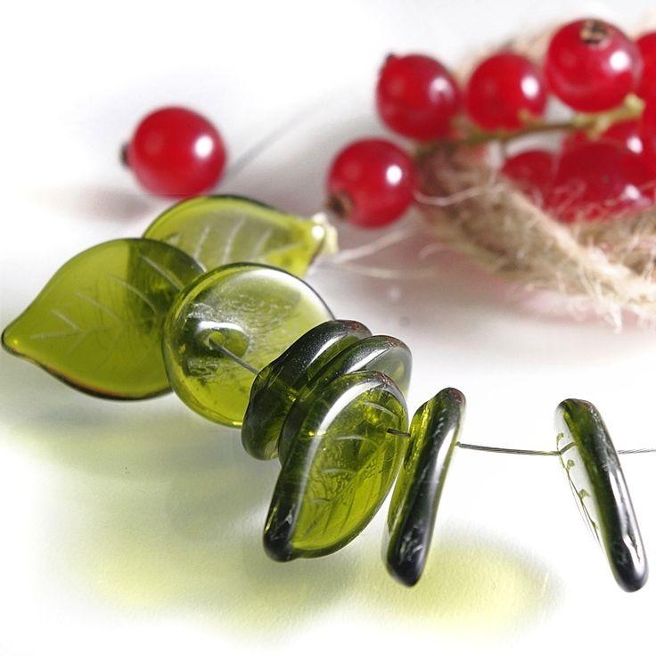 Jewery supplies -Leaves Glass Czech Beads - Olive Green 18х13 mm -White Giraffe