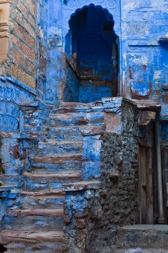 Color - Blue stairs - India - © Michael Matlach
