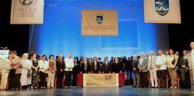 Municipio de Oaxaca de Juárez y UABJO reconocen a pioneros de la máxima casa de estudios