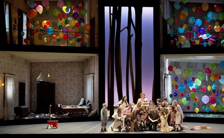 Hansel et Gretel (Humperdink) - Opera de Paris. Sets: Julia Hansen