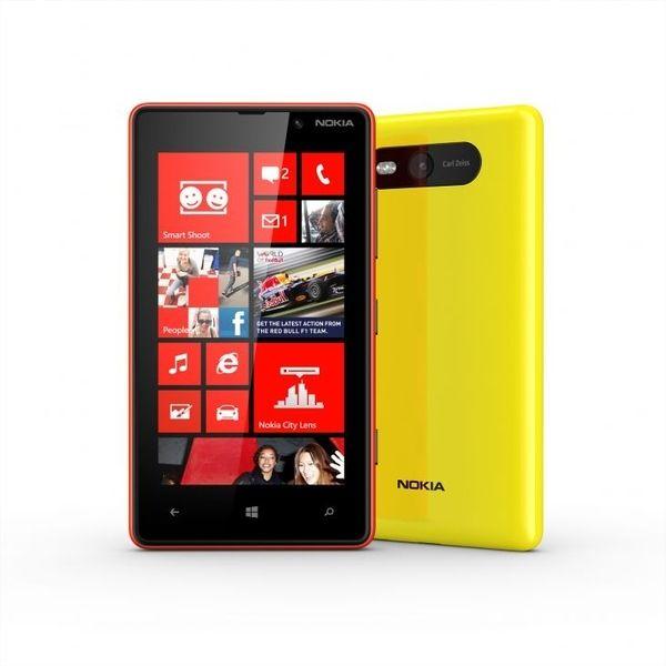 Nokia Lumia 820: immagini, video e dettagli