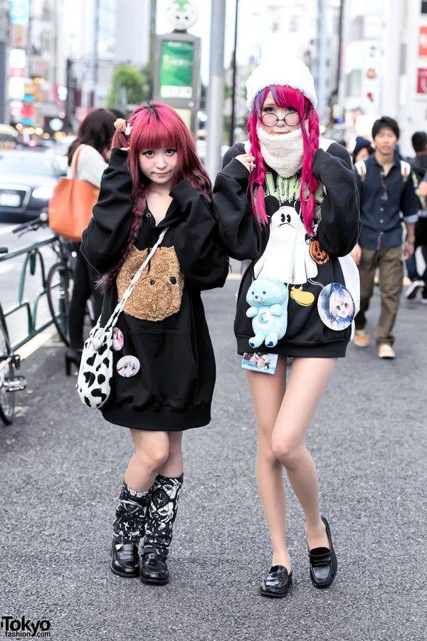 Harajuku Girls in Oversized Sweatshirts, Manga Pins, Nesin, Zzz...Tokyo & Disney (Tokyo Fashion, 2015)