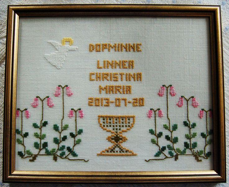 Doptavlan komponerade och sydde jag till första barnbarnet Linneas dop.